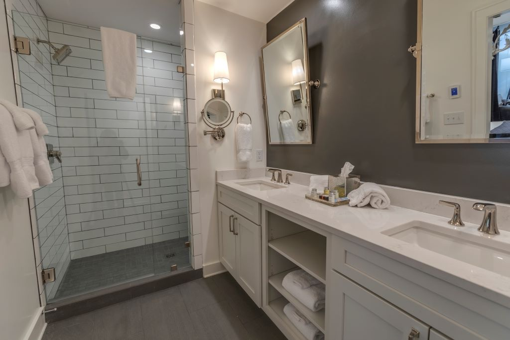 Lofts-Bartram Bath